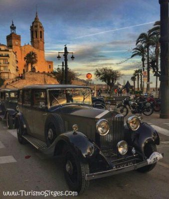 Sitges-Church-old-Car