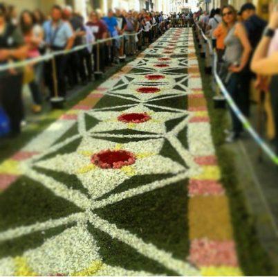 Alfombras-de-flores-Sitges